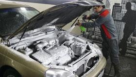 Как безопасно помыть двигатель автомобиля?